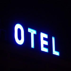 HOTEL-23h