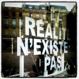 la-realite-n-existe-pas-300×300